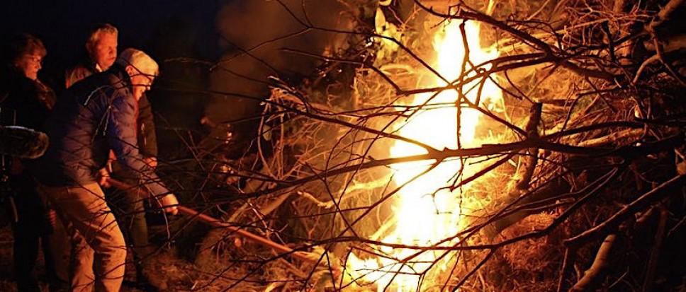 De traditie van het paasvuur in Borne