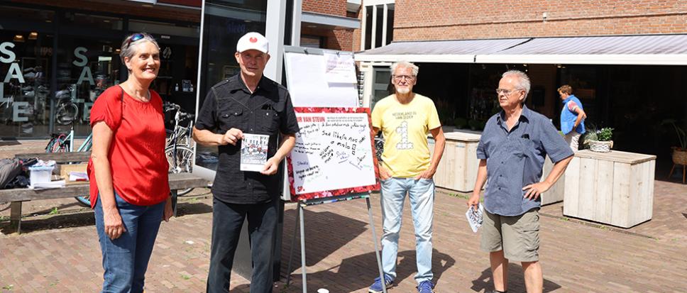 Actie SP Borne op Rheineplein