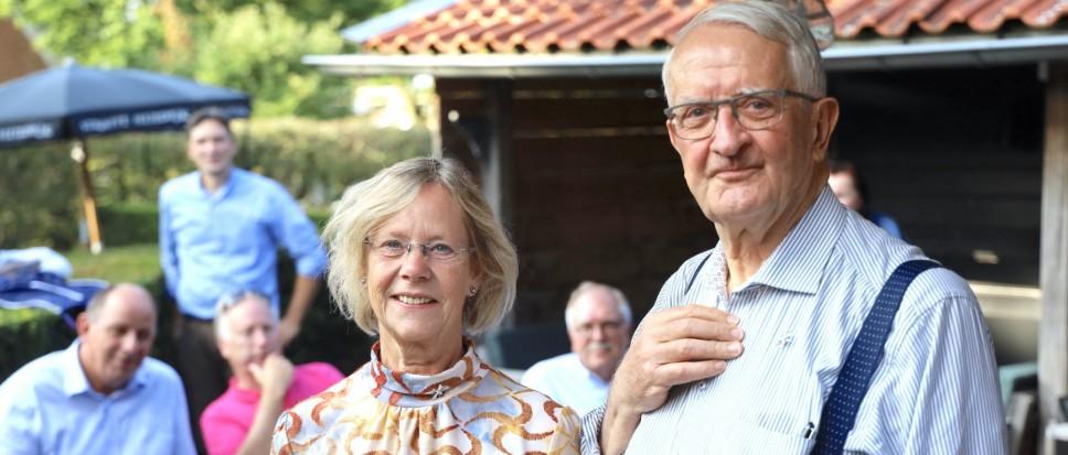 Bijtje voor oud-bestuursleden Borne-Rheine