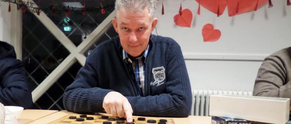 Peter van Esch ploetert naar winst