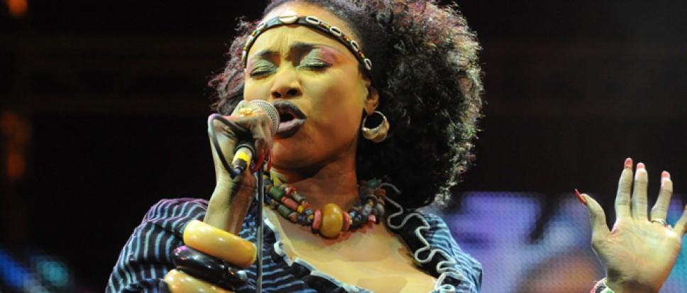 Oumou Sangaré naar Afrikafestival