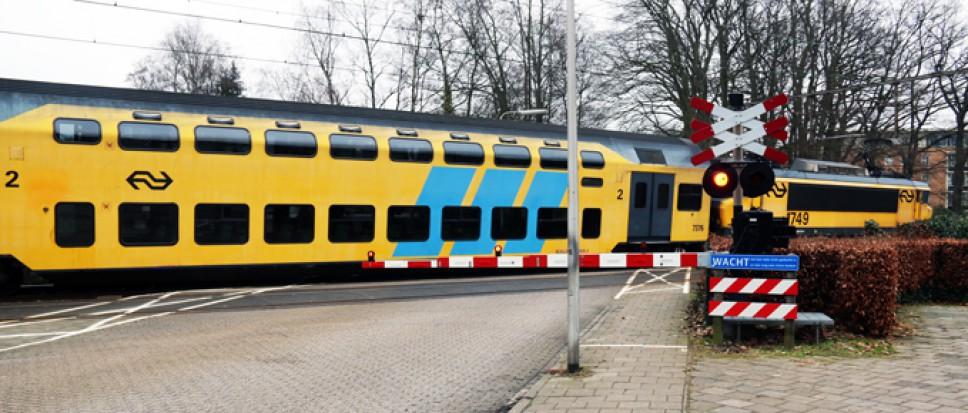 Aanrijding met persoon bij station Borne
