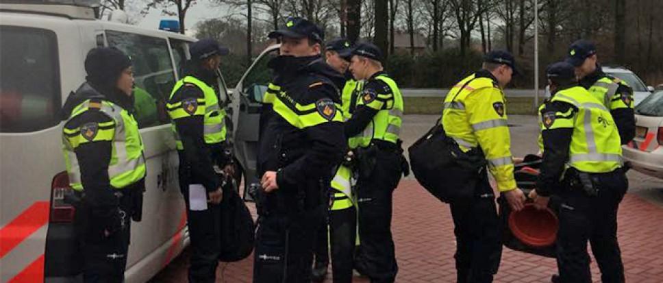 Grootscheepse politiecontrole in Borne