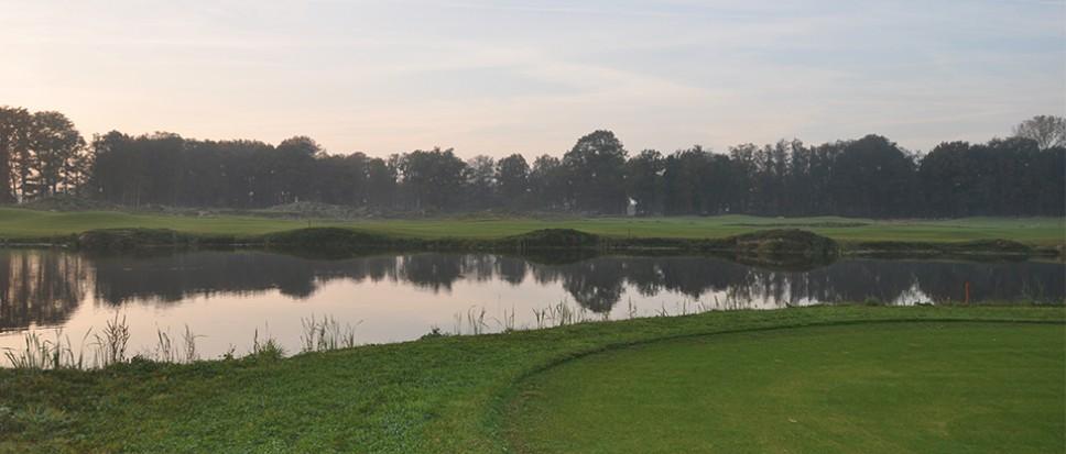 Golfclub houdt Weleveld voorlopig draaiend