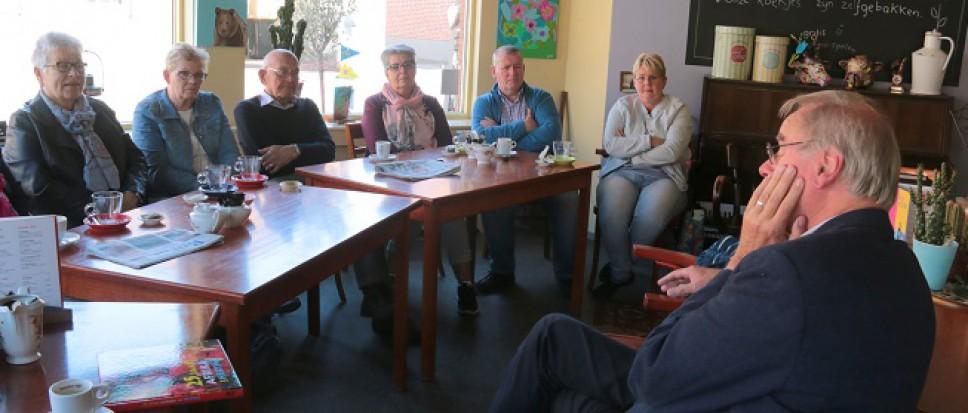 Noaberkuiern met bewoners Oud-Borne