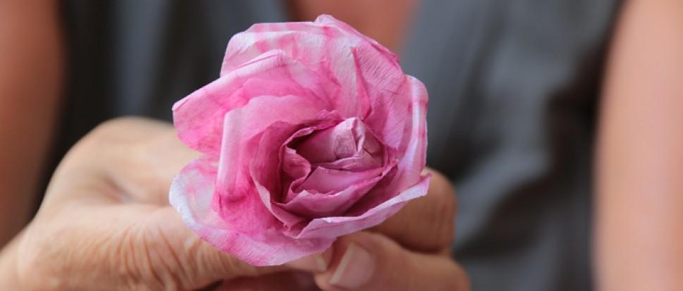 Engelse papieren rozen vervaardigen