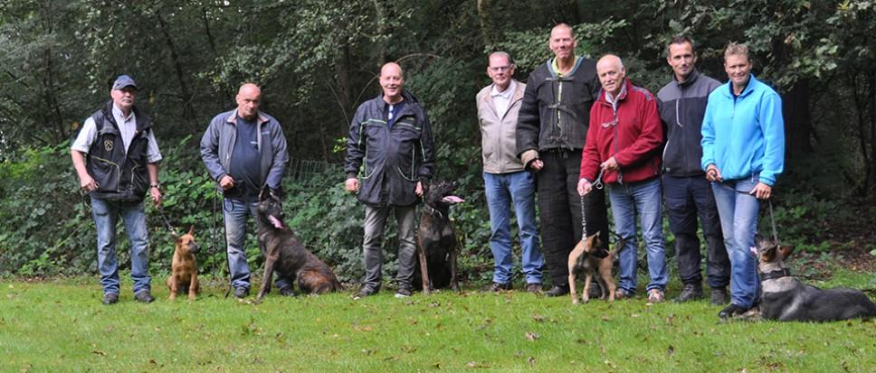 De lerende politiehonden van 15 PHV'ers