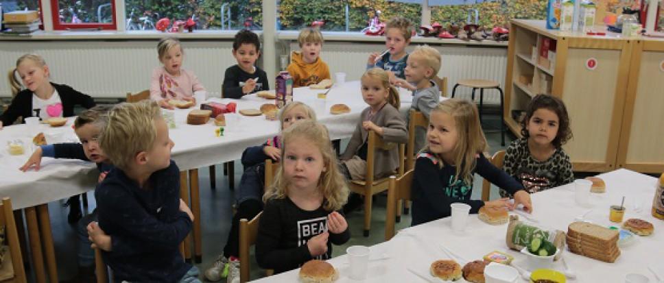 'Vieze tafel-ontbijt' in Zenderen