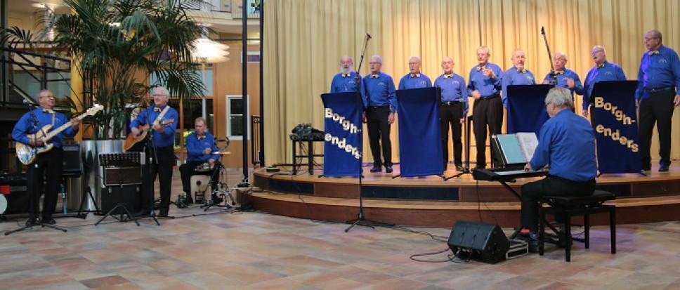 Borghenders zingt in Dijkhuis