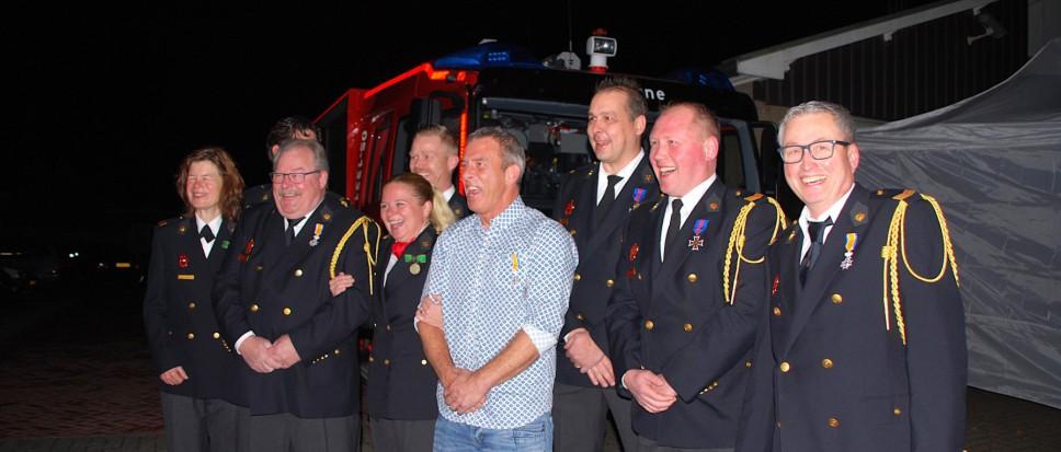 Koning en brandweer eren jubilarissen