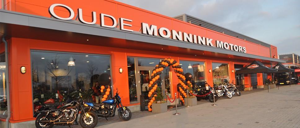 Oude Monnink Motors opent haar deuren