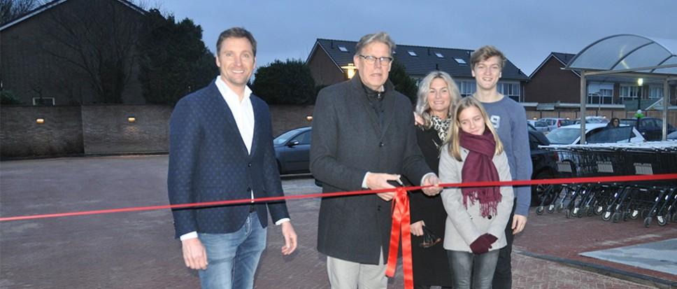 Parkeerplaats bij Plus feestelijk geopend