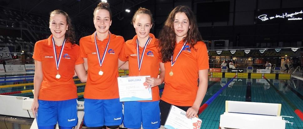 Goud voor zwemmeiden WS Twente