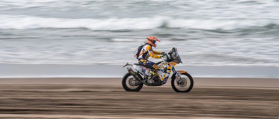 In de Dakar Rally help je elkaar