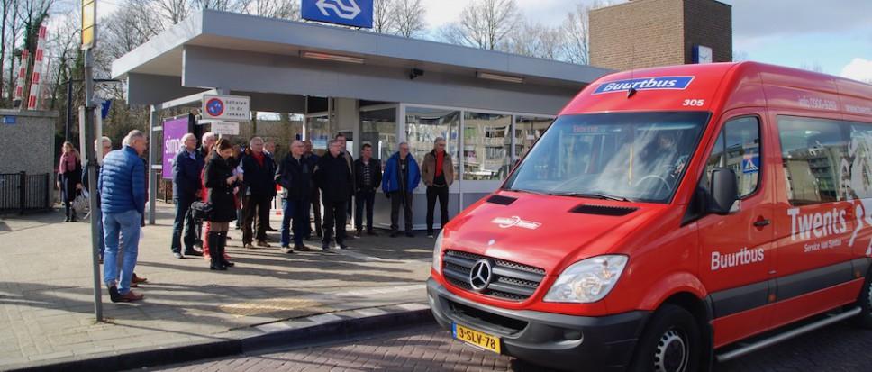 Nieuwe buurtbus rijdt: 'Bon route!'