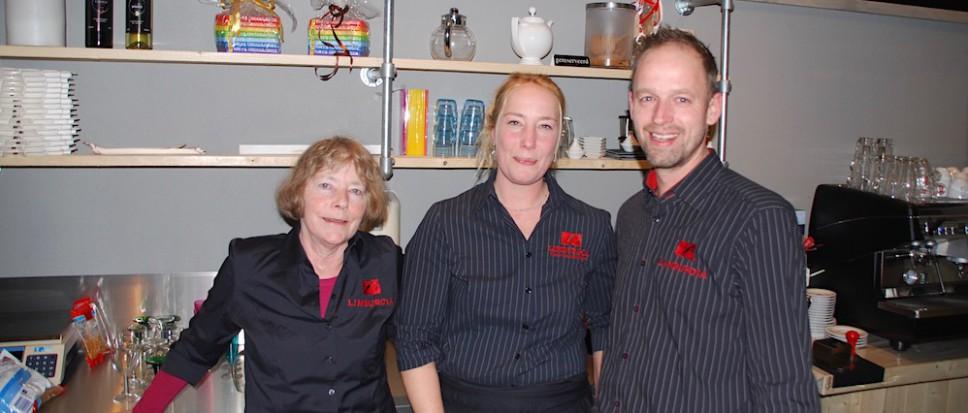 Vernieuwde Limburgia Vlaai officieel open