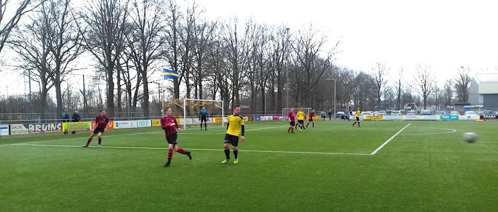 BVV Borne geeft voorsprong uit handen