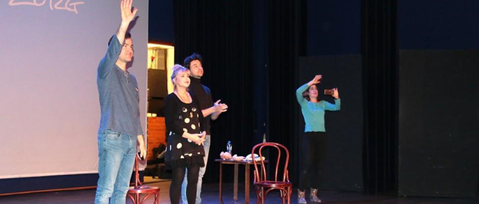 Theatervoorstelling `Dag Mama` en Workshops