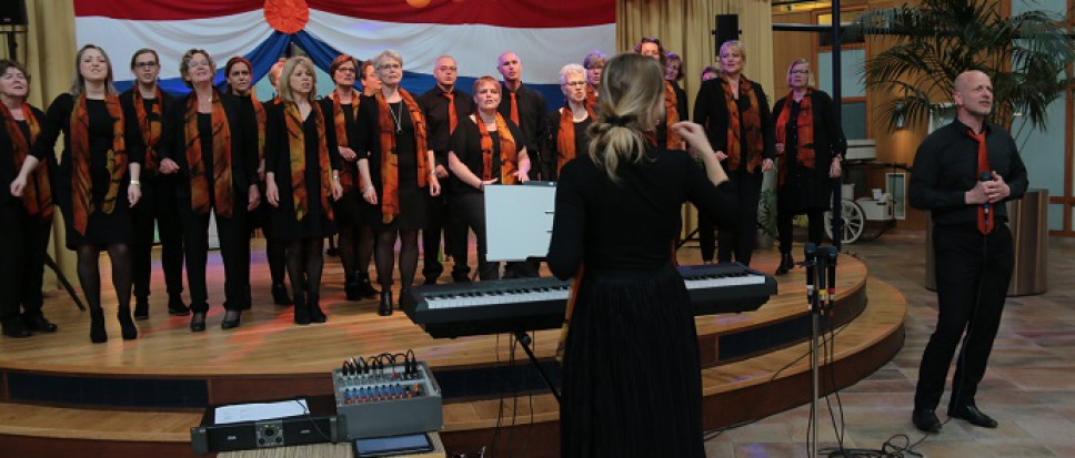 Gospelkoor Celebration zingt