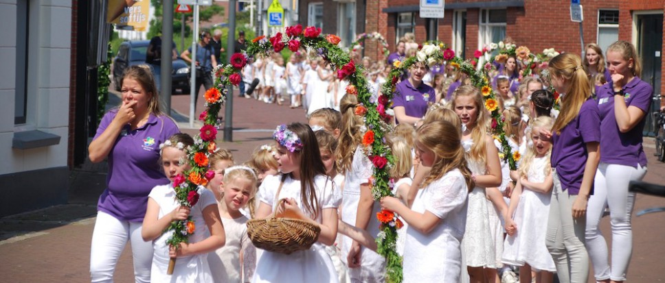Folkloregroep viert jubileum in stilte