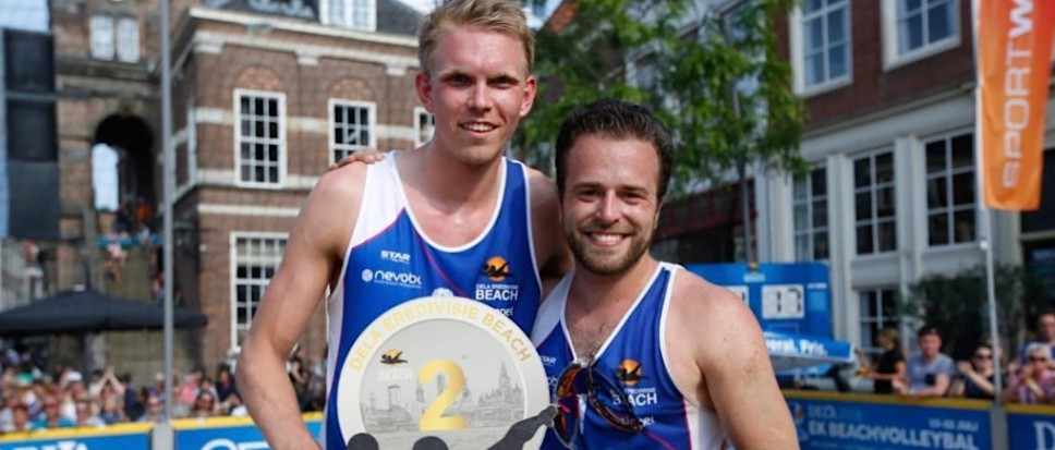 Borns duo sensatie bij beachvolleybal