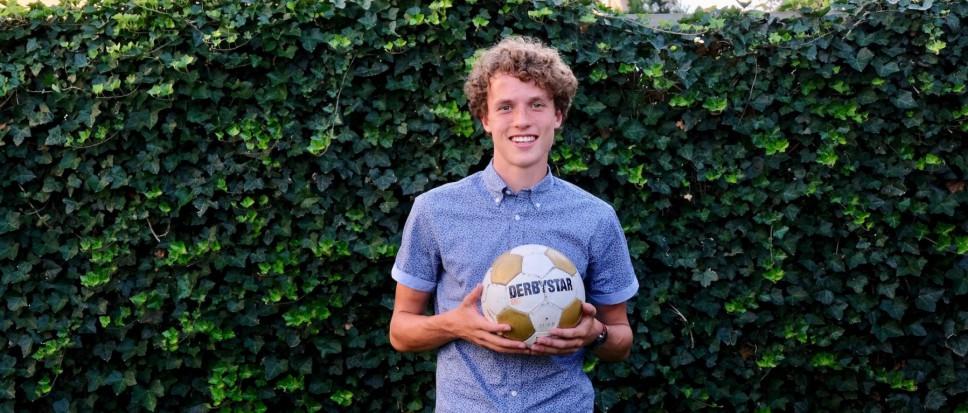 Mats Wieffer tekent bij FC Twente