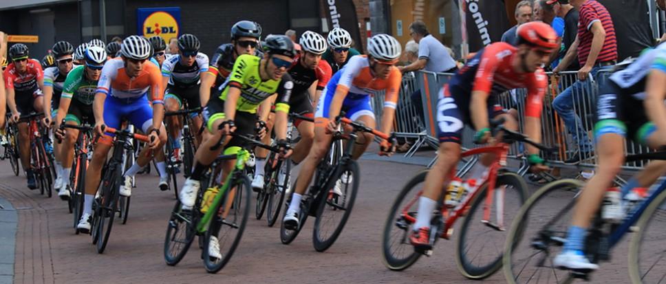 Robin Lowik wint Wielerronde