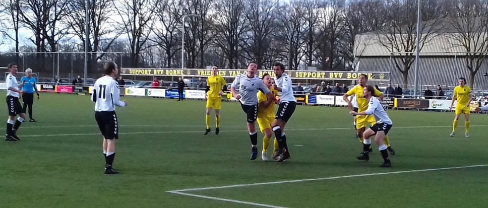 Borne verliest derby van ZV (1-3)