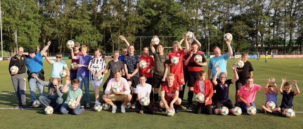 Wout Weghorst verrast G-voetballers