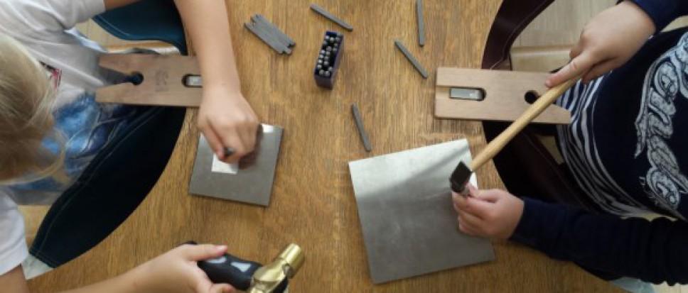 Stoer armbandje maken - 7 tot 16 jr
