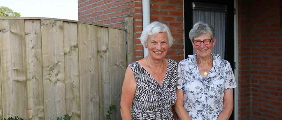Siny en Lidy zoeken meisjes van 80
