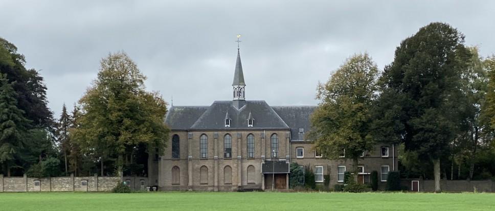 Carmelitessen verlaten klooster