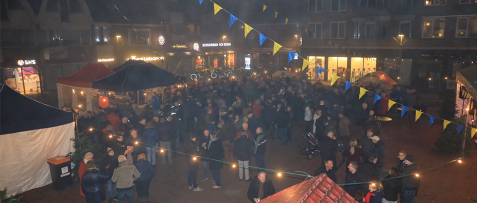 Nieuwjaar op Rheineplein: 'Geluk in'n tuk!'