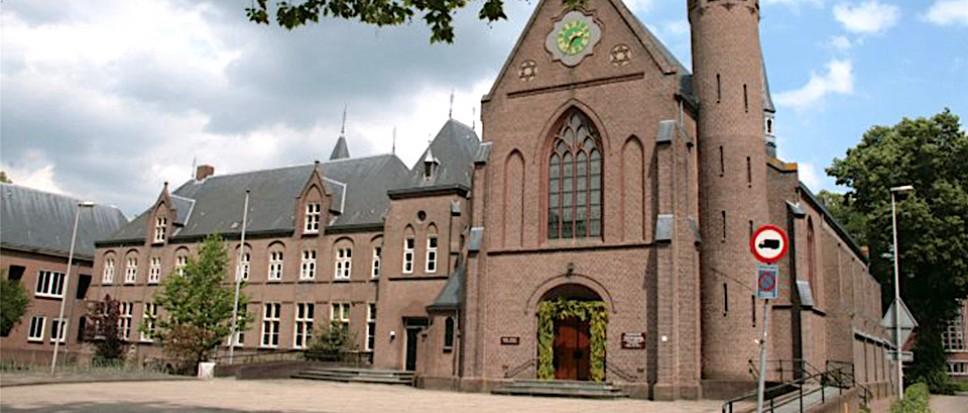 Kloosterleven ligt stil in Zenderen